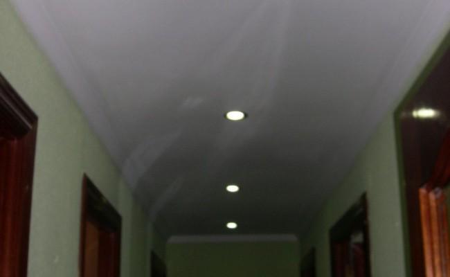 ILUMINACION LED EN TECHO PASILLO