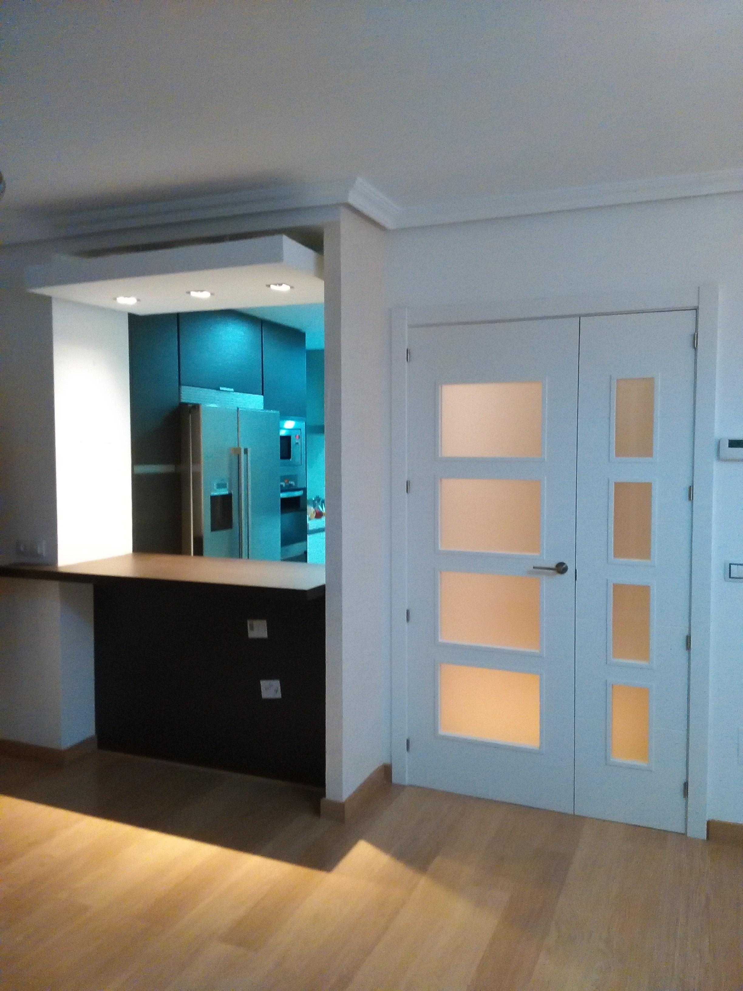 cocina puerta papel pintado cocina